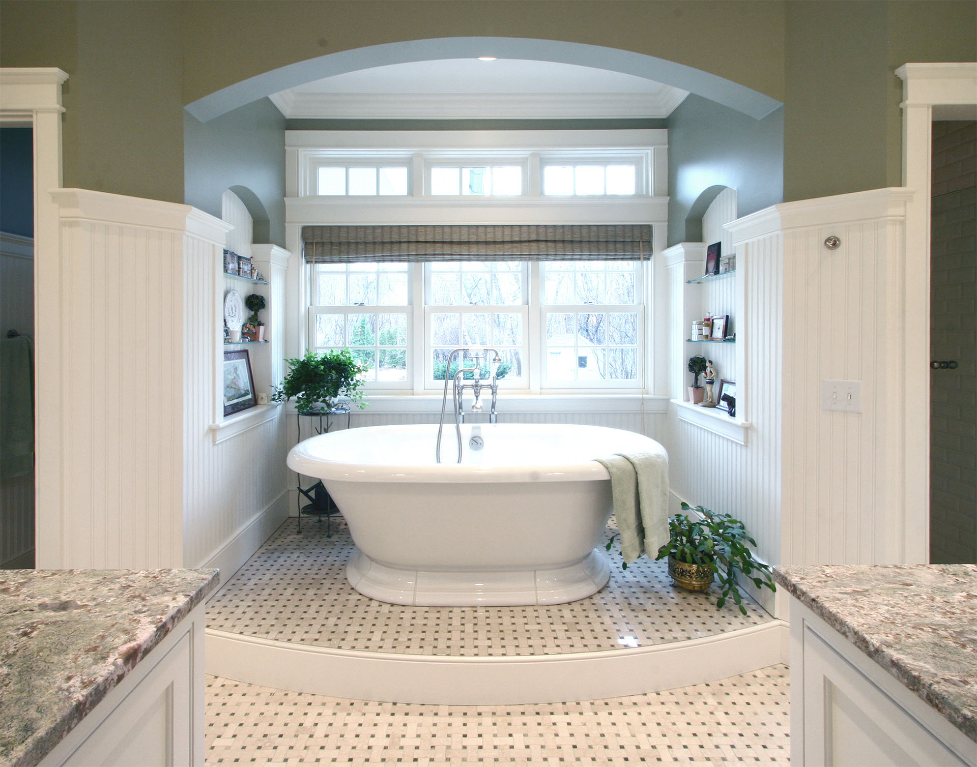 Nantucket style in long lake carrigan curtis design build for Nantucket style bathrooms